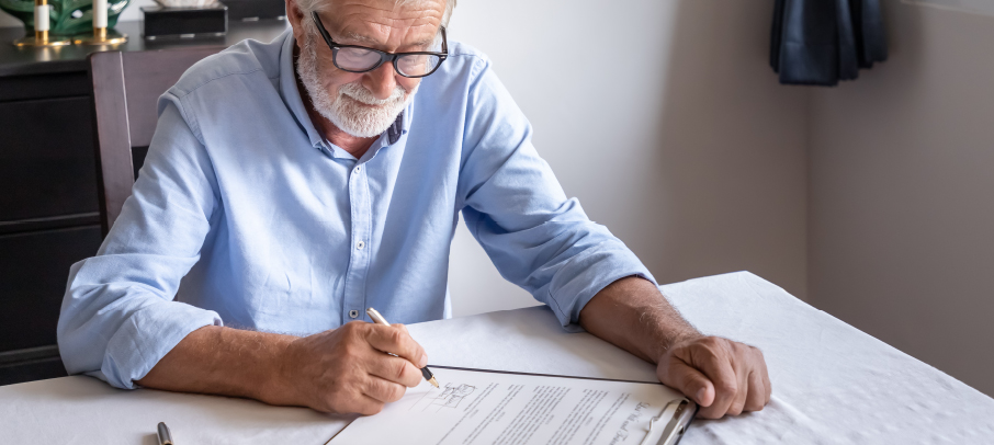 KoppPracticeArea-Old-Man-Signing-A-lease_03